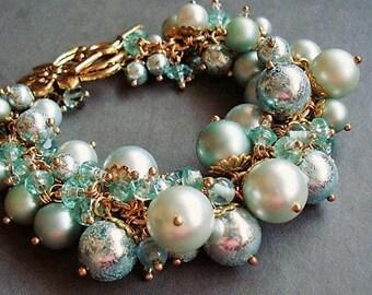 Green Bracelet Glass Jewelry Pearl Bracelet Statement Jewelry Gold Bracelet Pearl Jewelry Charm Bracelet Boho Jewelry Chunky Bracelet Gift
