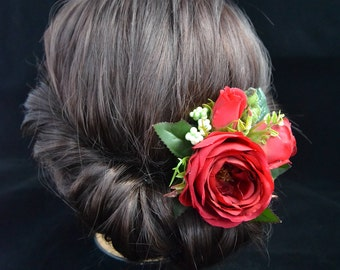 Red rose hair clip Wedding flower clip Summer wedding Red floral clip Bridal hair clip Wedding hair style Bridesmaid hair clip Rustic style