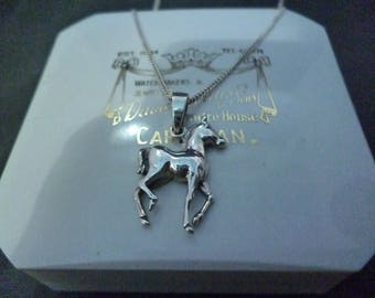 "A lovely silver horse pendant necklace - 925 - sterling silver - 16"" necklace"