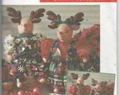 Simplicity 7893 Holiday Crafts Reindeer and Clothes by Faith Van Zanten