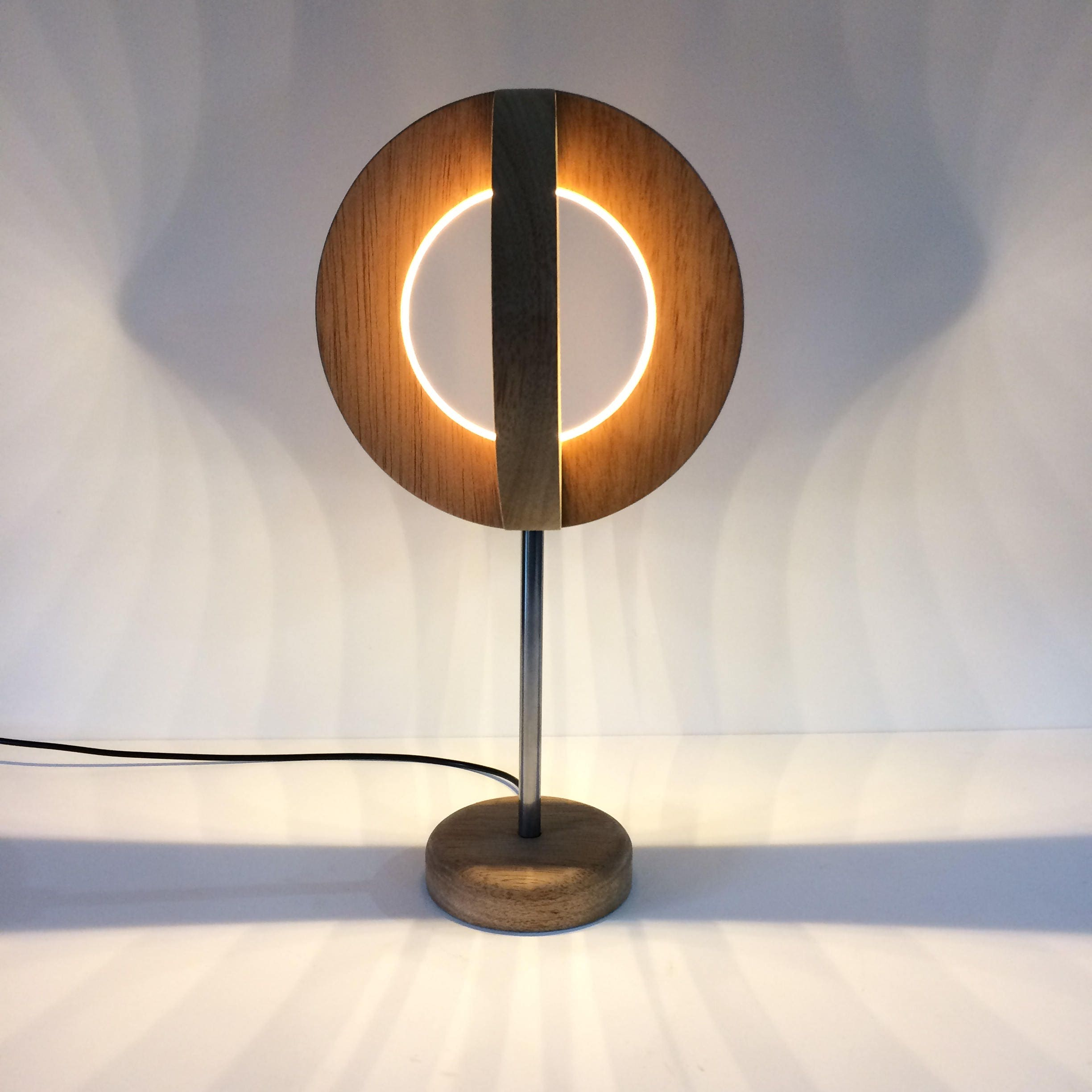 Wooden Led Table lamp Desk Lamp Modern Light Round Circular Wooden ...