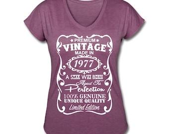 """40th Birthday Shirts  for Women **VELVETY PRINT** *Tri-Blend Colors* Memorable """"Made in 1977"""" design V-neck Shirt - Birthday Gift for Her"""