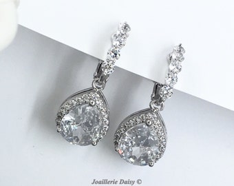 Clip on Bridal Earrings White Crystal Earrings Wedding Jewelry Teardrop Bride Earring Cubic Zirconia Dangle Earring Bridesmaid Gift for Moms