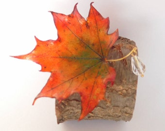 Maple leaf brooch autumn leaf brooch yellow leaf pin polymer clay jewelry gift for her fall jewelry maple leaf jewelry fall pin autumn leaf