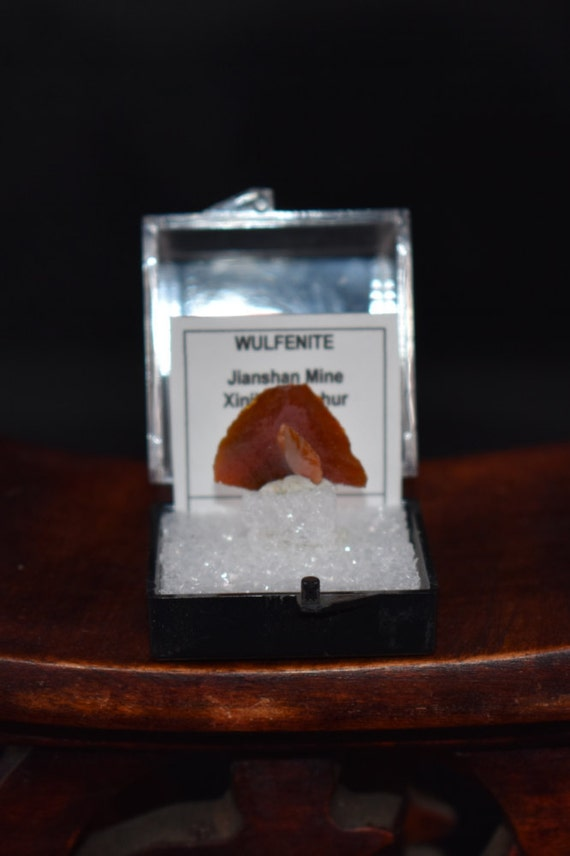 Basket Weaving Supplies Denver Co : Wulfenite crystal mineral specimen thumbnail