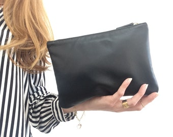 Suzi//Leather pouch.Black Cosmetic Pouch.Luxurious Leather make up pouch.Evening black leather clutch.Pochette.Wedding pouch.Ready to ship.