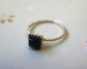 Onyx Ring - Solid Gold Ring - Onyx Gold Ring - Black Onyx Ring - Square Gold Ring - Black Ring - Small Gold Ring - Black Onyx Stone