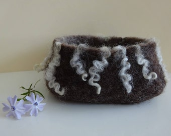Felted brown and curly lock bowl