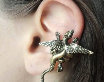 Lizard earrings ear jacket Winged lizard ear cuff non pierced ear crawler Fantasy jewelry cartilage ear cuff no piercing Reptile earring