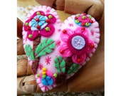 Flower In The Garden Handmade Felt Brooch - Baby Pink