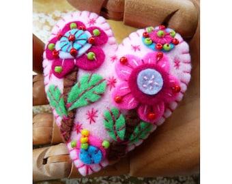 Flower In The Garden Handmade Felt Brooch - Baby Pink