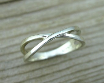 White gold infinity Promise ring, Infinity wedding ring, Infinity knot wedding band, White gold wedding ring, valentine's gift