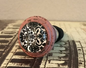 Wine Stopper - White and Black Damask with Pink Trim Wine Stopper