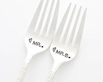 Wedding Cake Forks. Mr and Mrs wedding forks. Wedding Table Decor, cute engagement gift.