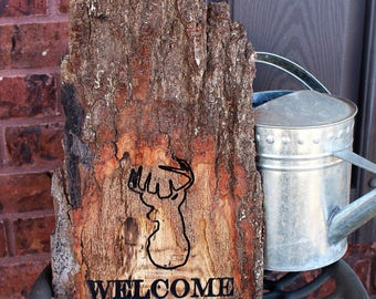 Wood welcome sign for front porch - Live edge wood slab - Rustic sign - Cabin decor - Hunting sign - Deer welcome sign - Engraved