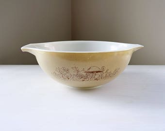 Vintage Pyrex mixing bowl #444 Forest Fancies Cinderella bowl, 4 litres