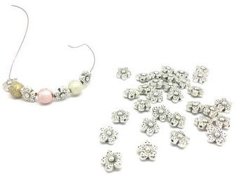 50 beads spacers flowers 9mm