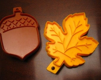Vintage 1975 Hallmark Cookie Cutters – Autumn Fall Themed – Set of 2 – Acorn and Leaf