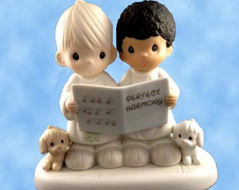 New Precious Moments PERFECT HARMONY Friendship Figurine,  521914, porcelain, Never Displayed, Original Box