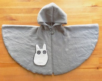 Totoro baby hooded cape , Totoro hoodie , hooded Poncho , Chibi Totoro on grey fleece , 12-18 month