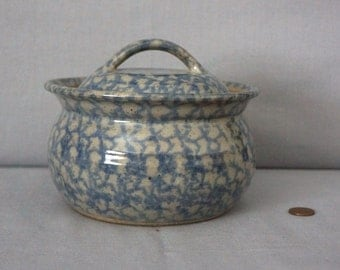 Blue Spongeware Stoneware Bean Pot with Lid