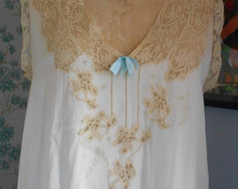 Pretty 1920's Cream/beige Silk Nightgown