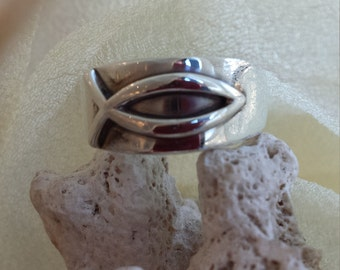 Sterling silver James Avery fish ring
