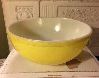 Vintage 1950s Lemon Yellow Pyrex Mixing Bowl