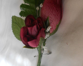 Set of 6 deep  wine color rosebud and accent smaller roses   boutonniers or corsages