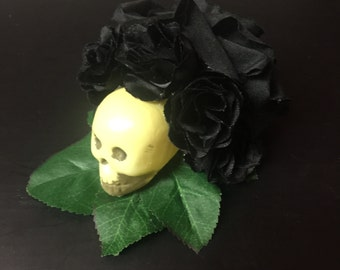 Skull/Black rose hair fascinator