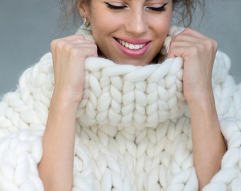 Marshmallow Sweater. Oversize sweater. Merino wool. Cozy, warm, smooth.