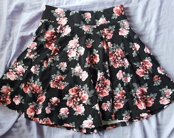 Floral highwasted skirt XS