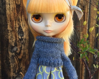 Blythe sweater: Left Coast Cropped hand knit sweater in charcoal grey wool - charming and modern - for Neo Blythe doll