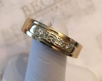 Vintage 14k yellow gold wedding band, 5 Round Diamonds .15 tw IJ-I1 Beadset with Etched Design, size 12.75, 6.4mm
