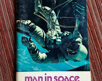 Space Program,Moon Book,Moon Ephemera,Moon Landing,Space Exploration,Space Travel,Moon Exploration,Man in Space,NASA,Science Book,Doubleday