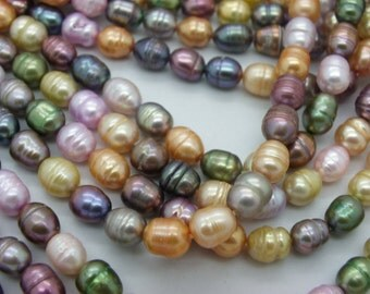 45 Baroque cultured pearls with a colourful Pearl 9-10 mm