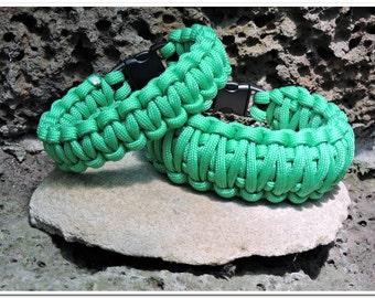 Paracord Survival Bracelet - Green