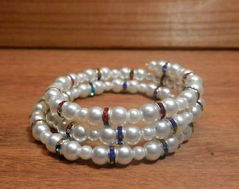 Glass pearl bead and rhinestone spacer memory wire bracelet