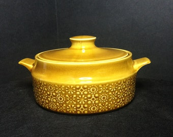 Connemara Celtic Earthenware Gold Yellow Casserole Dish,Connemara Celtic Covered Dish,Republic of Ireland Earthenware