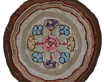 ON SALE 20% Off 2.4' ( 74CM ) hand made antique round American hooked rug 1900