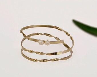 Silver pearl bracelet, dainty cuff, wrap around bangle, twisted jewelry, custom bracelet, bride jewelry, wedding jewelry, sophisticated cuff