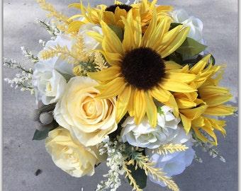 Sunflower bouquet. Set with boutonnière