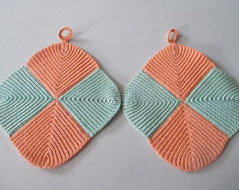 Vintage Hand Made Crochet Hot Pad Pot Holder Kitchen Decor Pair Peach And Green