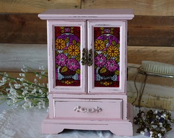 LIGHT PINK Distressed Jewelry Box - MuSiCaL BoX- Shabby Chic Upcycled JEWELRY Box- Vintage Rustic Wood -Hand Painted Jewelry Armoire- LaRGe