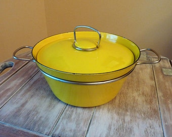 Danish Modern Yellow Enamel Dutch Oven With Lid / Metal Handles / 1960's Covered Pot / MCM / Mid Century Modern / Rustic Farmhouse Cookware