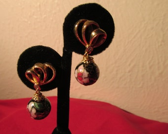 Reposed Gold Cloisonne' Earrings