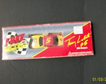 1996 Kellogg's Terry Labonte  Honey Crunch Corn Flakes Collectible  Mini Car #5 Cornelius 1/64 Scale NASCAR Diecast Car New In Package