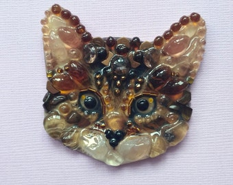 Chocolate kitten-handmade brooch from stones and beads