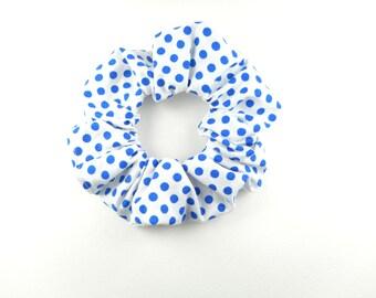 Scrunchie - white polk dot royal blue