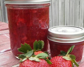 16 oz CLASSIC STRAWBERRY JAM one pint
